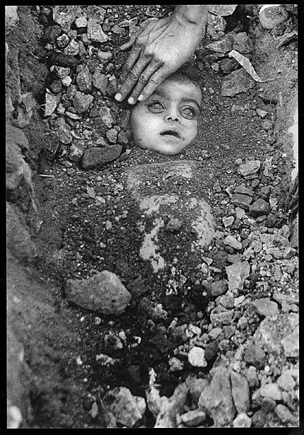 burial-of-an-unknown-child-th1